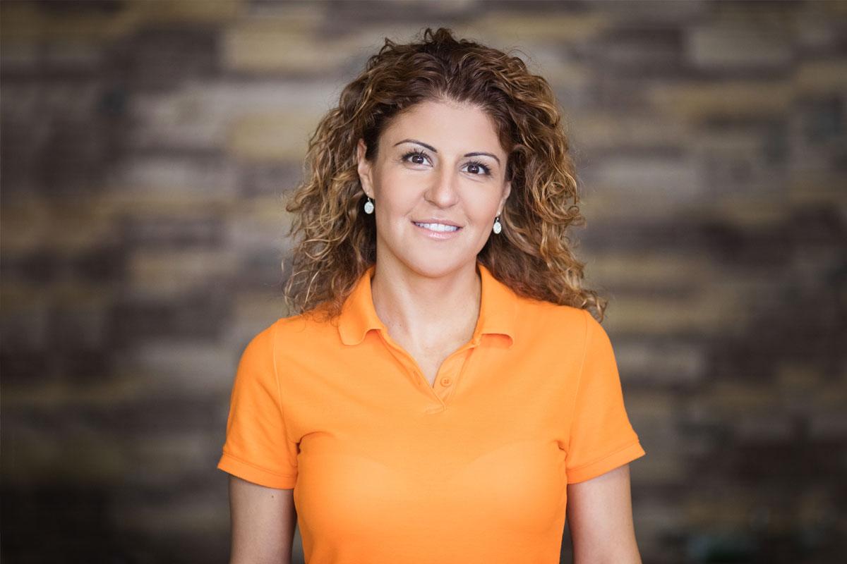 Д-р Малина Димитрова в денталната клиника | ROI Dental Clinic