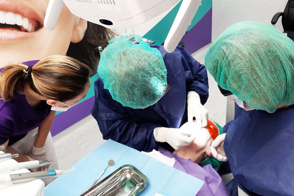 Дентален кабинет за имплантология | ROI Dental Clinic